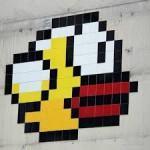 Персонажем граффити в Париже стала птичка из Flappy Bird
